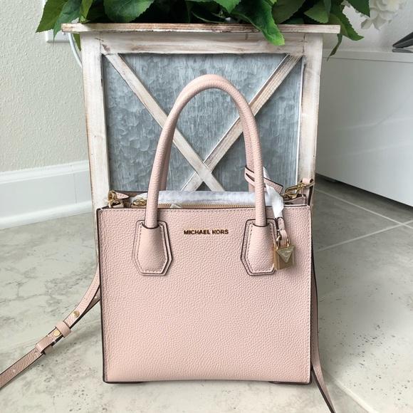 Michael Kors Handbags - NWT!!  Michael Kors Crossbody - Soft Pink/Gold
